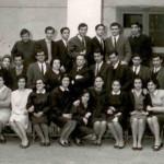 Liceo classico A.Diaz-Ottaviano (alle estremità della fila in alto ci sono gli unici due senza giacca ed io sono quello di sinistra, il più basso!)